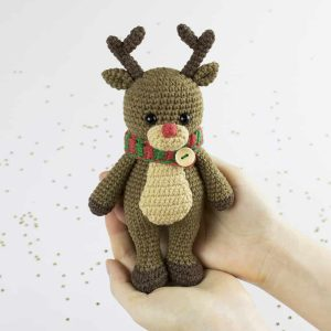 Amigurumi Cuddle Me Reindeer - Free crochet pattern by Amigurumi Today