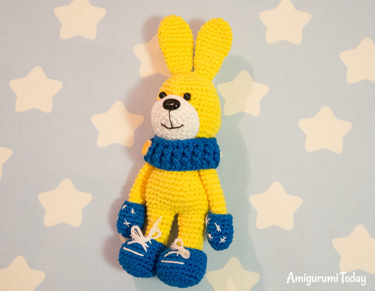 Crochet bunny with snood and mittens - Free amigurumi pattern by Amigurumi Today