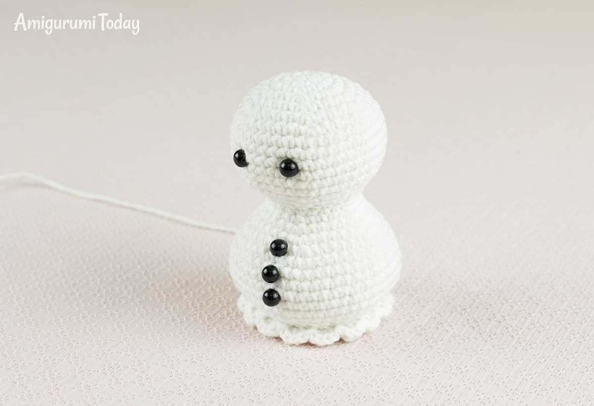 Ice Cream Snowman crochet pattern - head and body