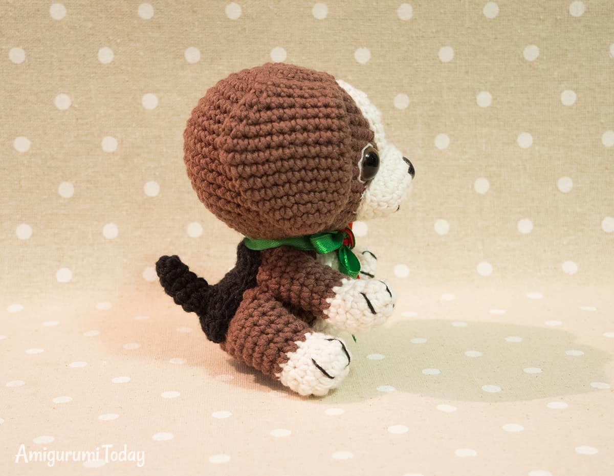 Amigurumi Beagle puppy crochet pattern