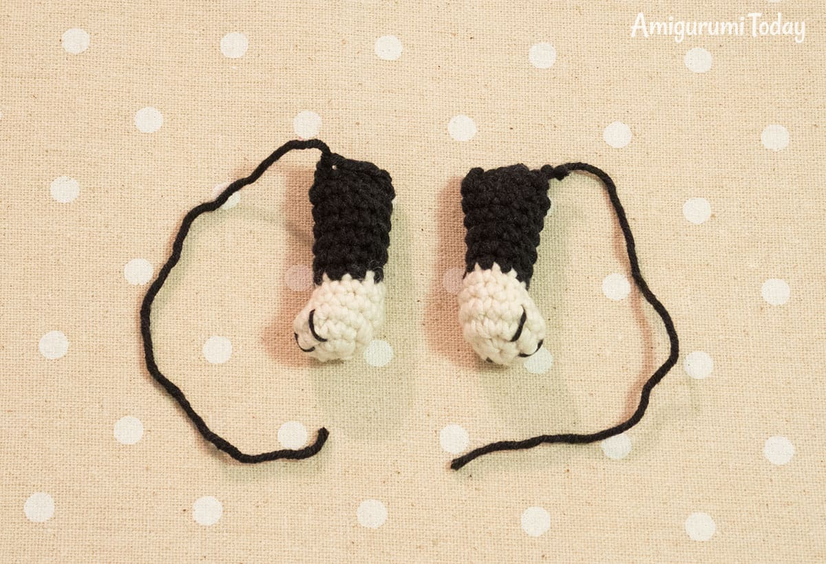 Boston terrier puppy crochet pattern - fore legs