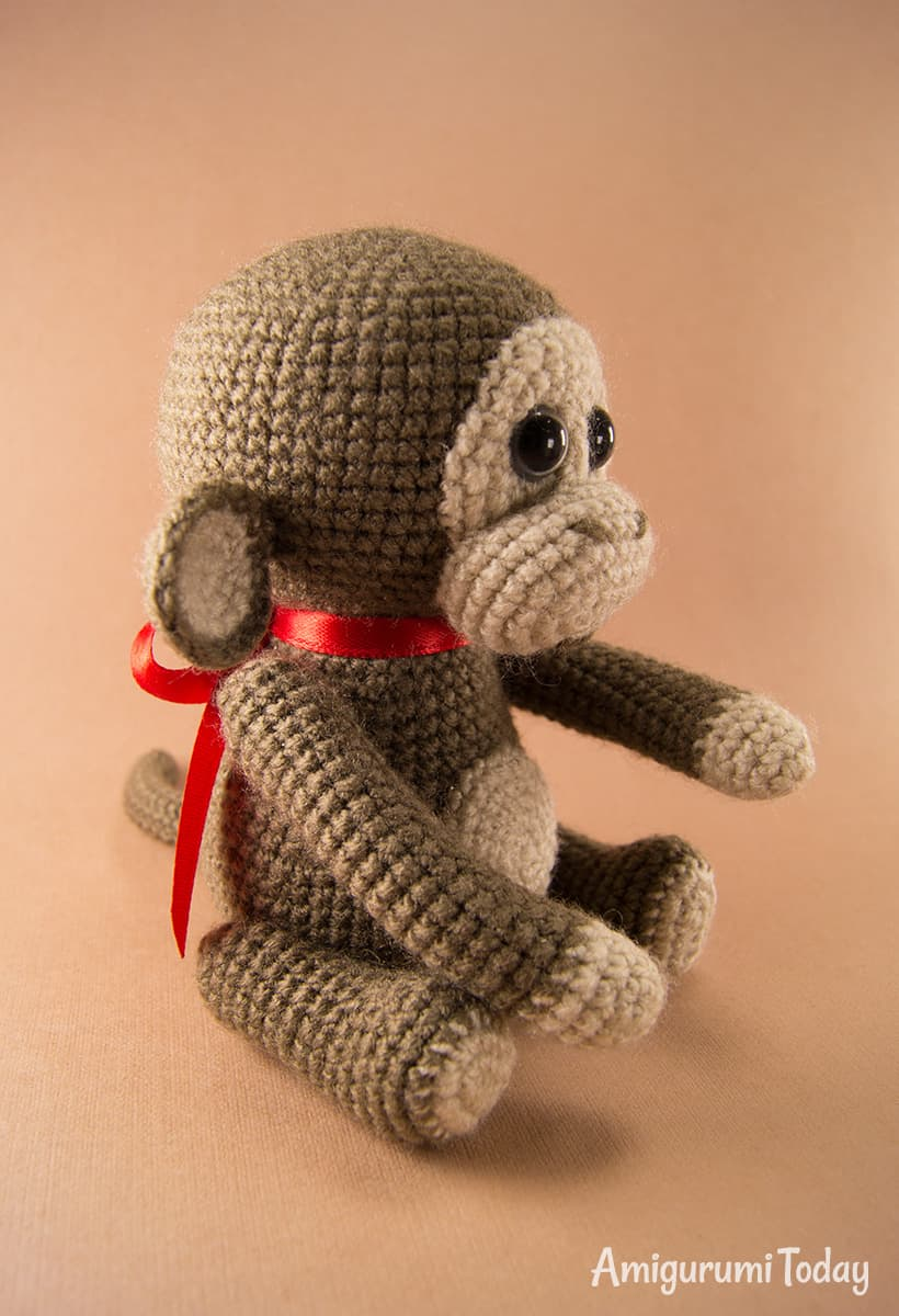 Free monkey amigurumi pattern by Amigurumi Today