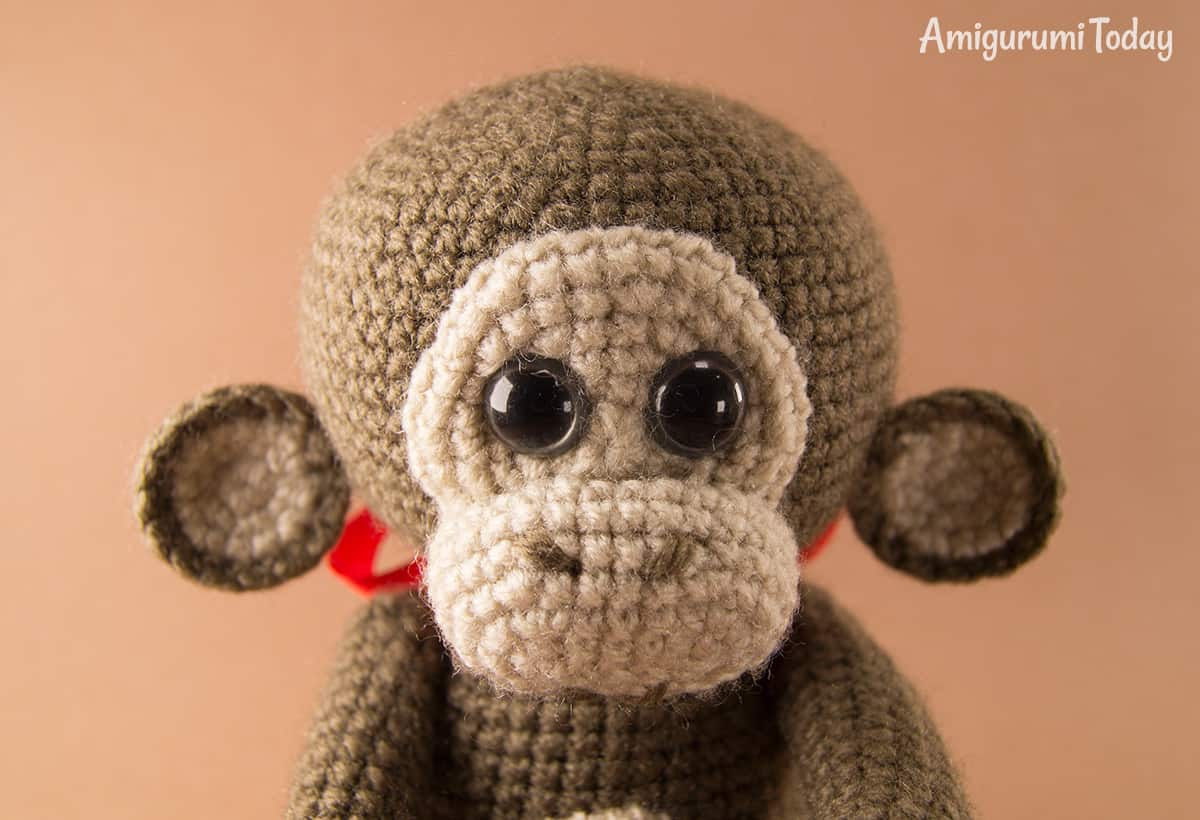 Free monkey crochet pattern by Amigurumi Today