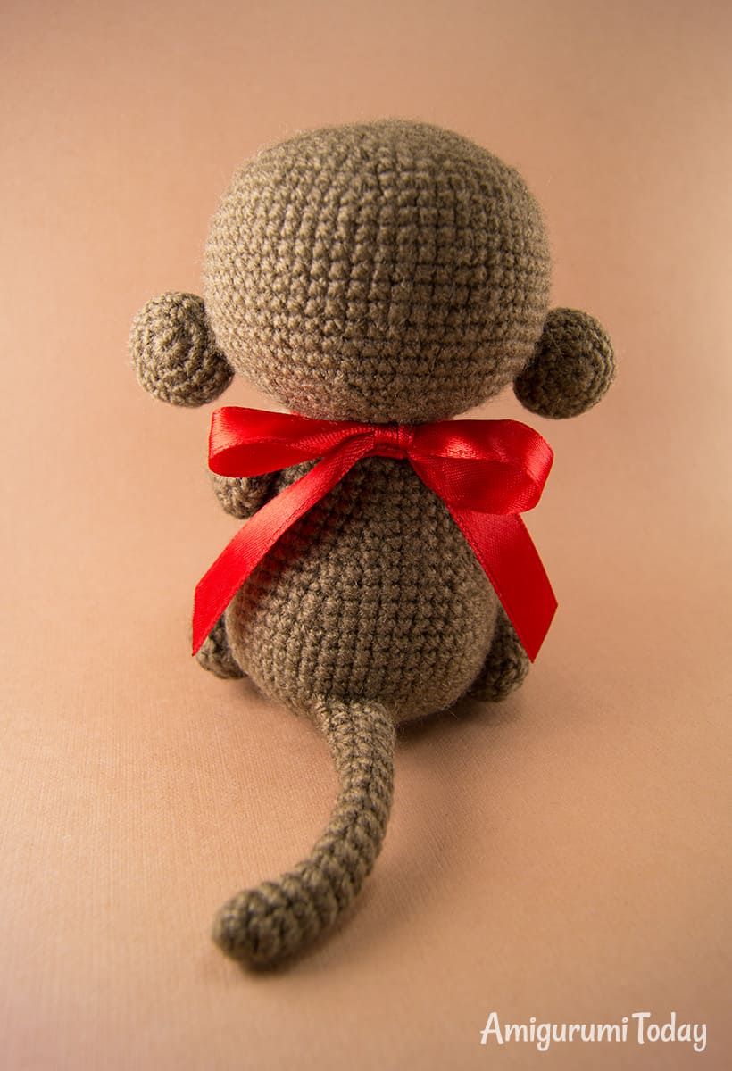 Naughty monkey - Free crochet pattern by Amigurumi Today