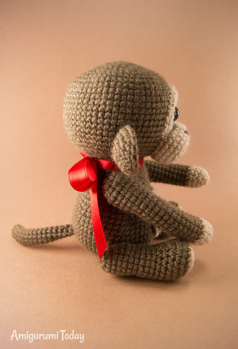 Naughty monkey amigurumi pattern by Amigurumi Today