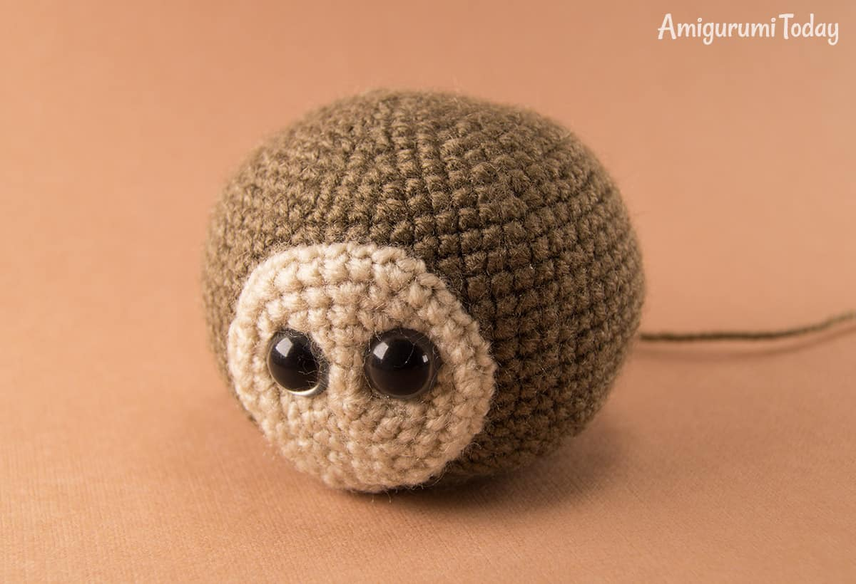 Naughty monkey amigurumi pattern - head