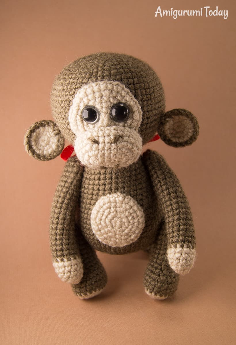 Naughty monkey crochet pattern by Amigurumi Today