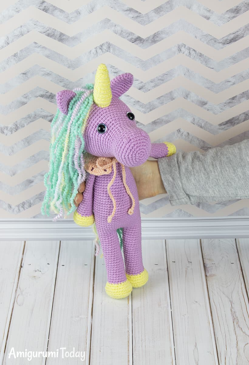 Amigurumi Shy Unicorn crochet pattern by Amigurumi Today