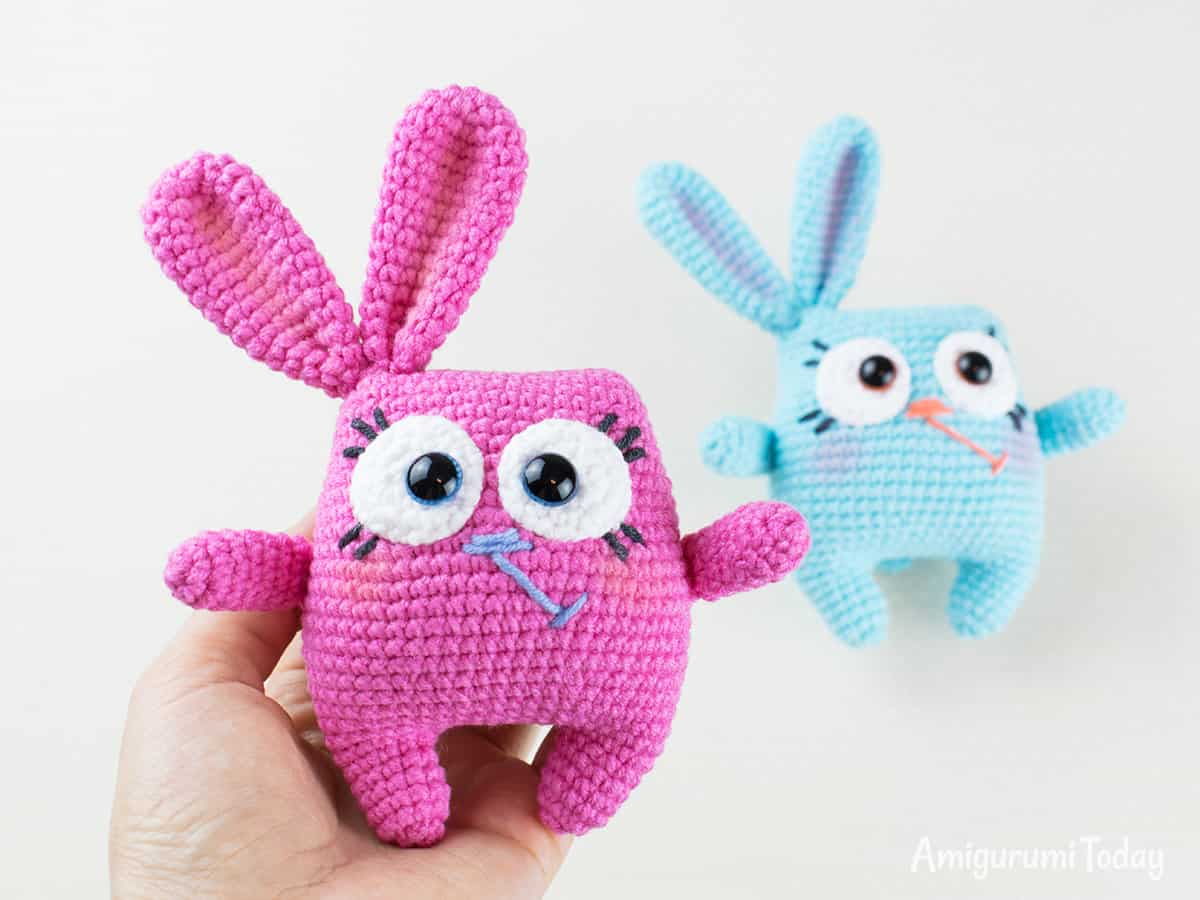 Easter bunny crochet pattern by Amigurumi Today
