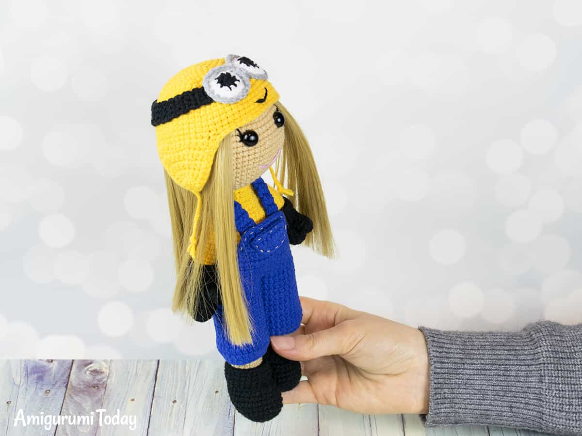 Crochet doll in Minion costume - Amigurumi Today