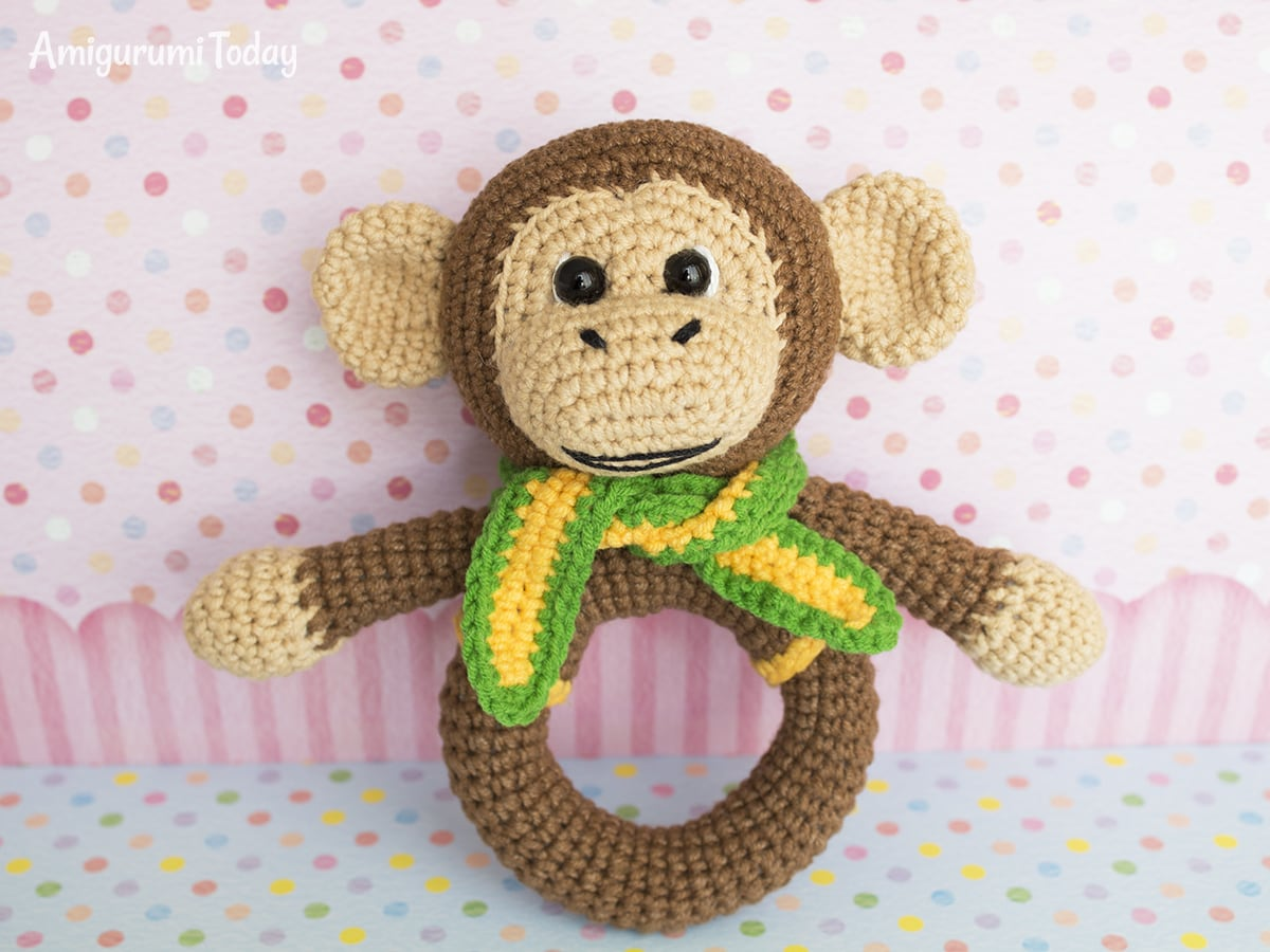 Amigurumi monkey baby rattle - Free crochet pattern by Amigurumi Today