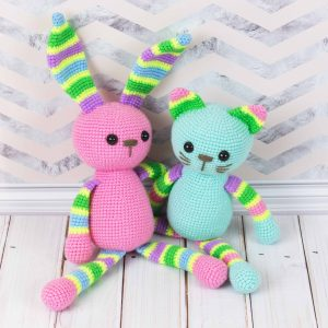 Amigurumi stripy rabbit - Free crochet pattern by Amigurumi Today