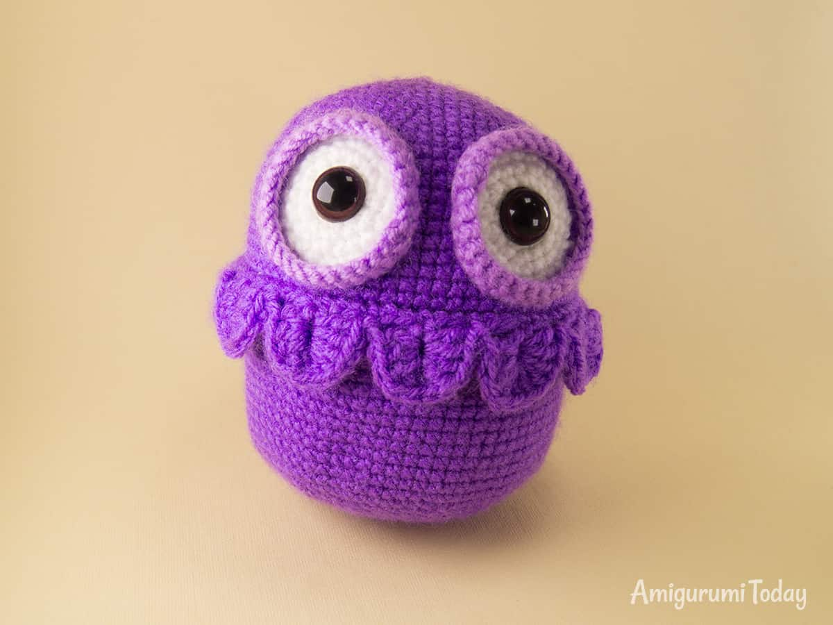 Crochet owl amigurumi pattern - neck feathers