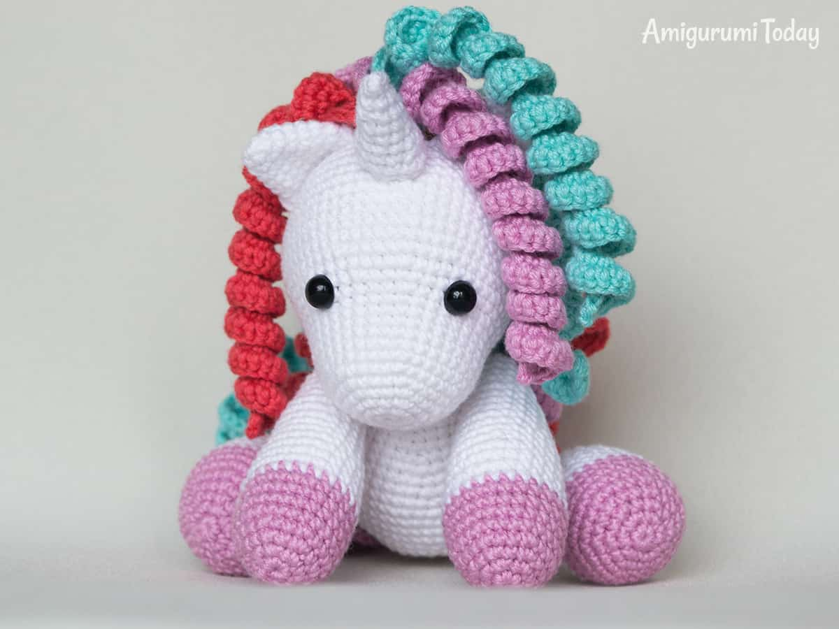Baby unicorn amigurumi - Free pattern by Amigurumi Today