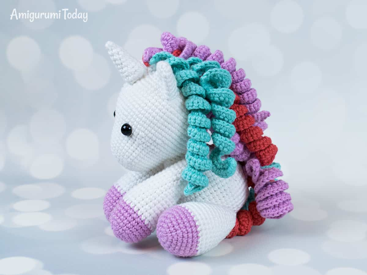 Baby unicorn amigurumi - Pattern designed by Amigurumi Today