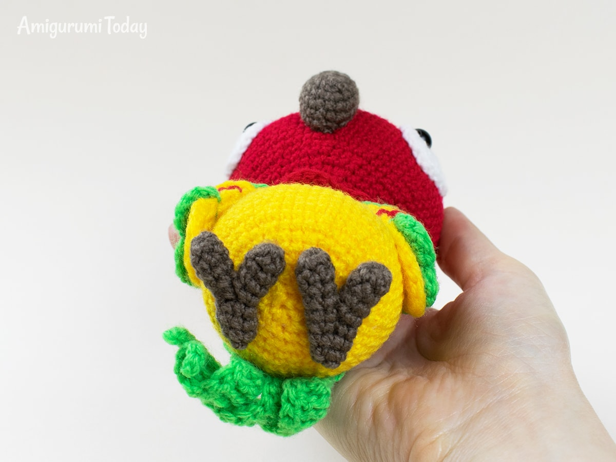 Pedro the Parrot - Crochet pattern by Amigurumi Today