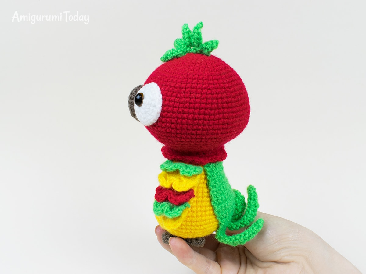 Pedro the Parrot - Free crochet pattern by Amigurumi Today