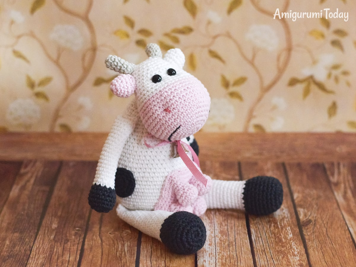 Alpine Cow Amigurumi - Free crochet pattern by Amigurumi Today