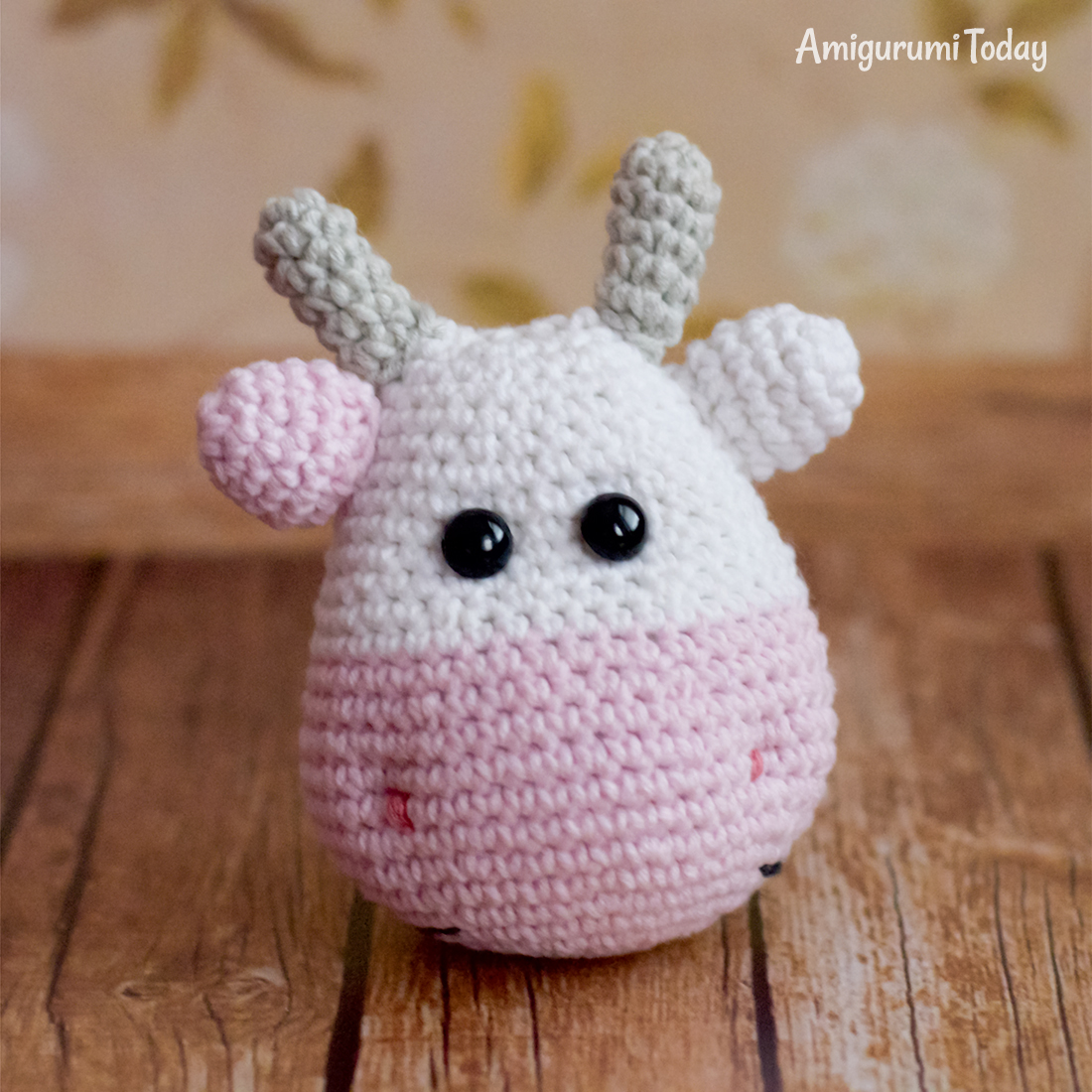 Alpine Cow crochet pattern - Head