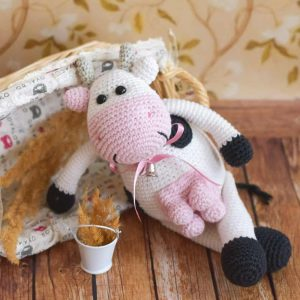 Amigurumi Alpine Cow - Free crochet pattern by Amigurumi Today