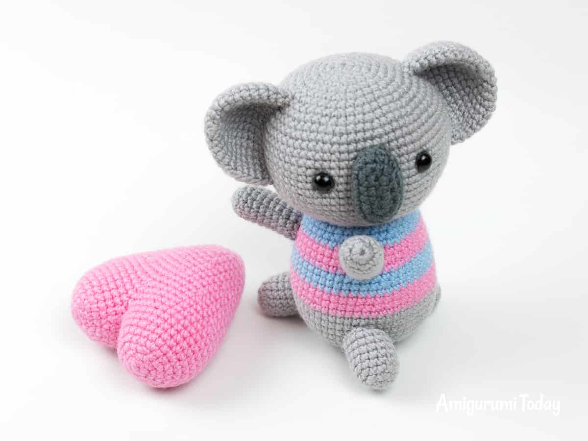 Amigurumi koala with heart - Crochet pattern by Amigurumi Today