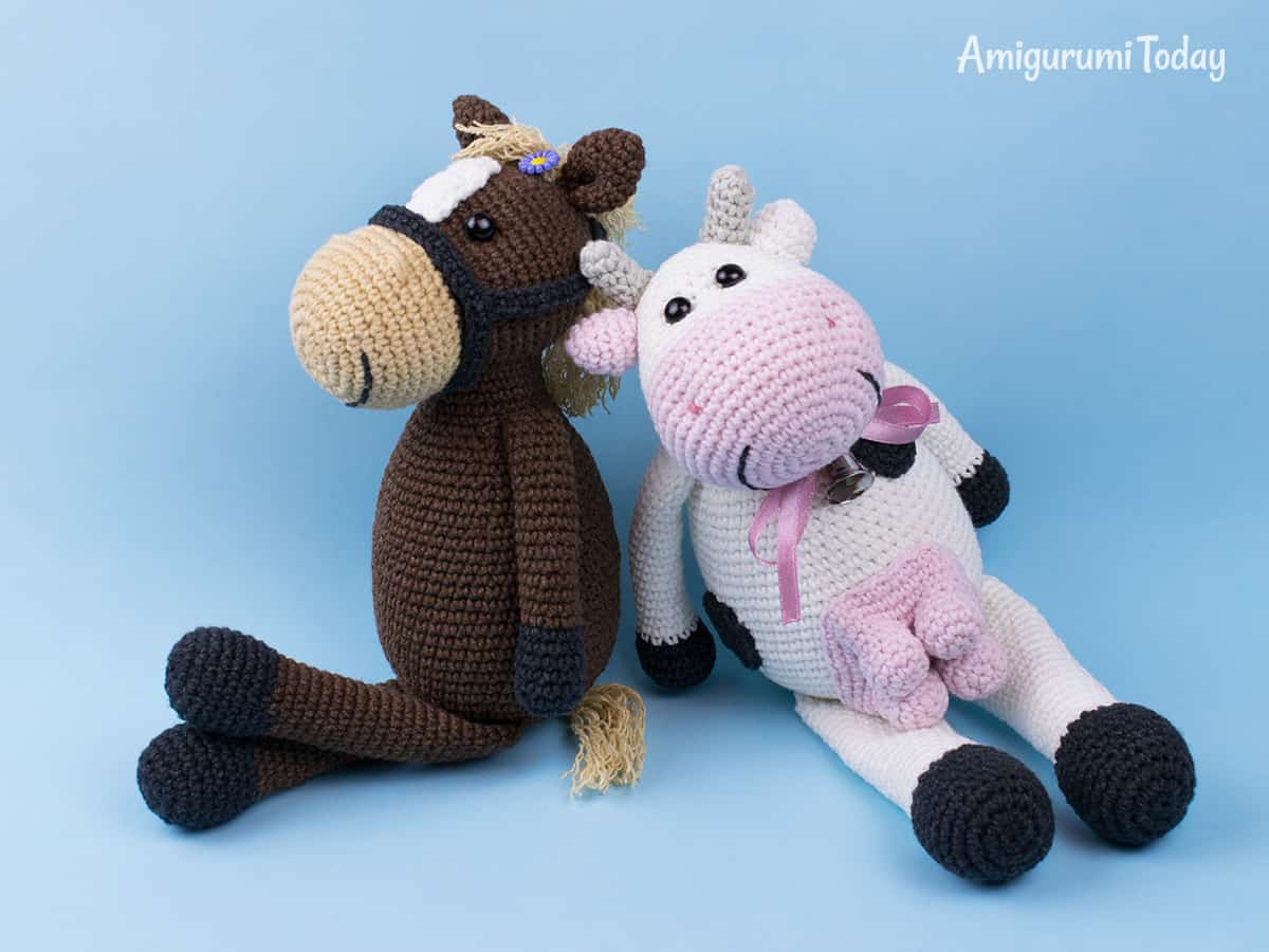 Farm Horse crochet pattern dsigned by Amigurumi Today