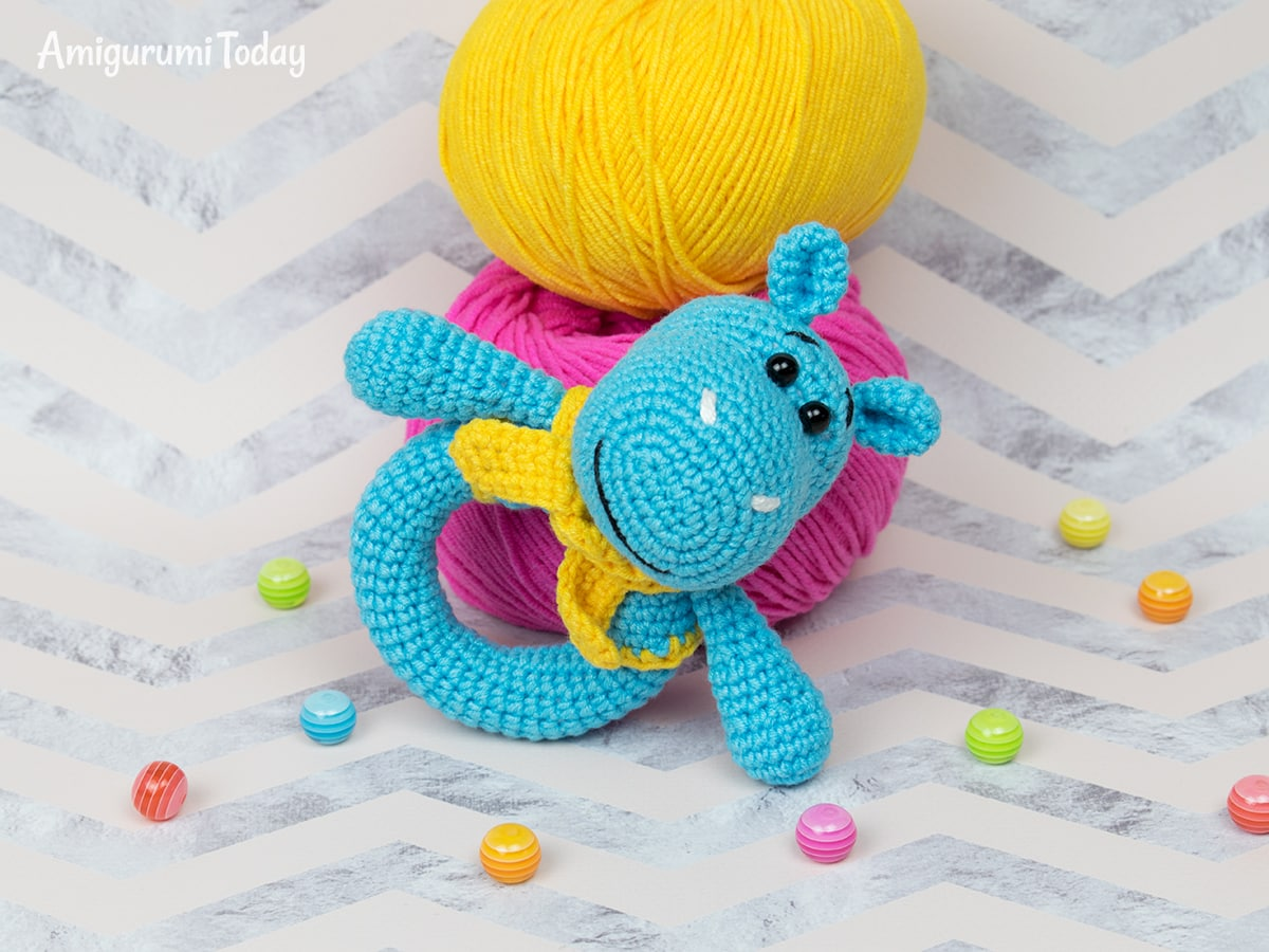 Hippo baby rattle - Free crochet pattern by Amigurumi Today