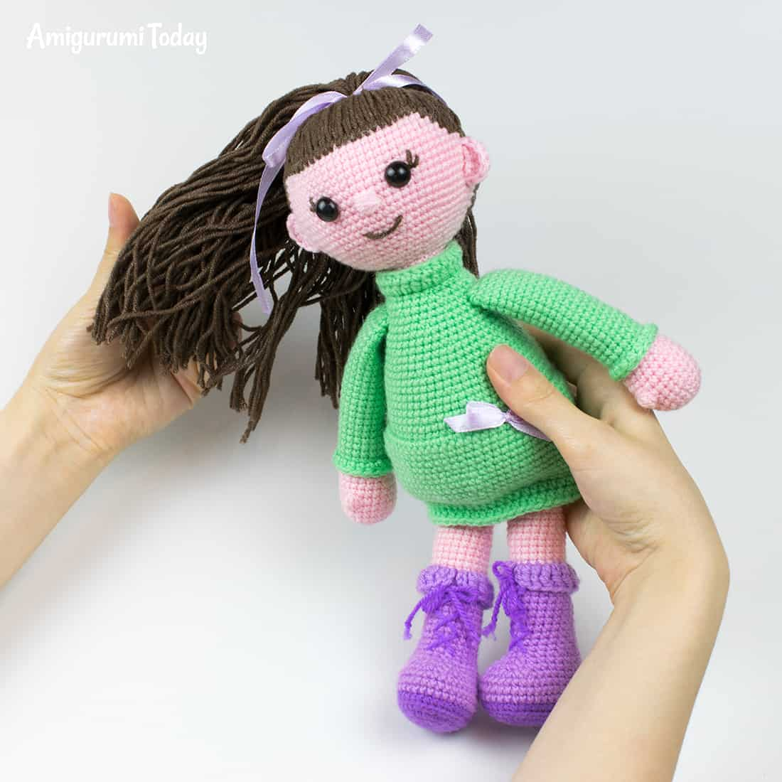 Lulu Doll crochet pattern by Amigurumi Today