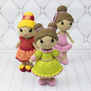 Amigurumi lady doll - Free crochet pattern by Amigurumi Today