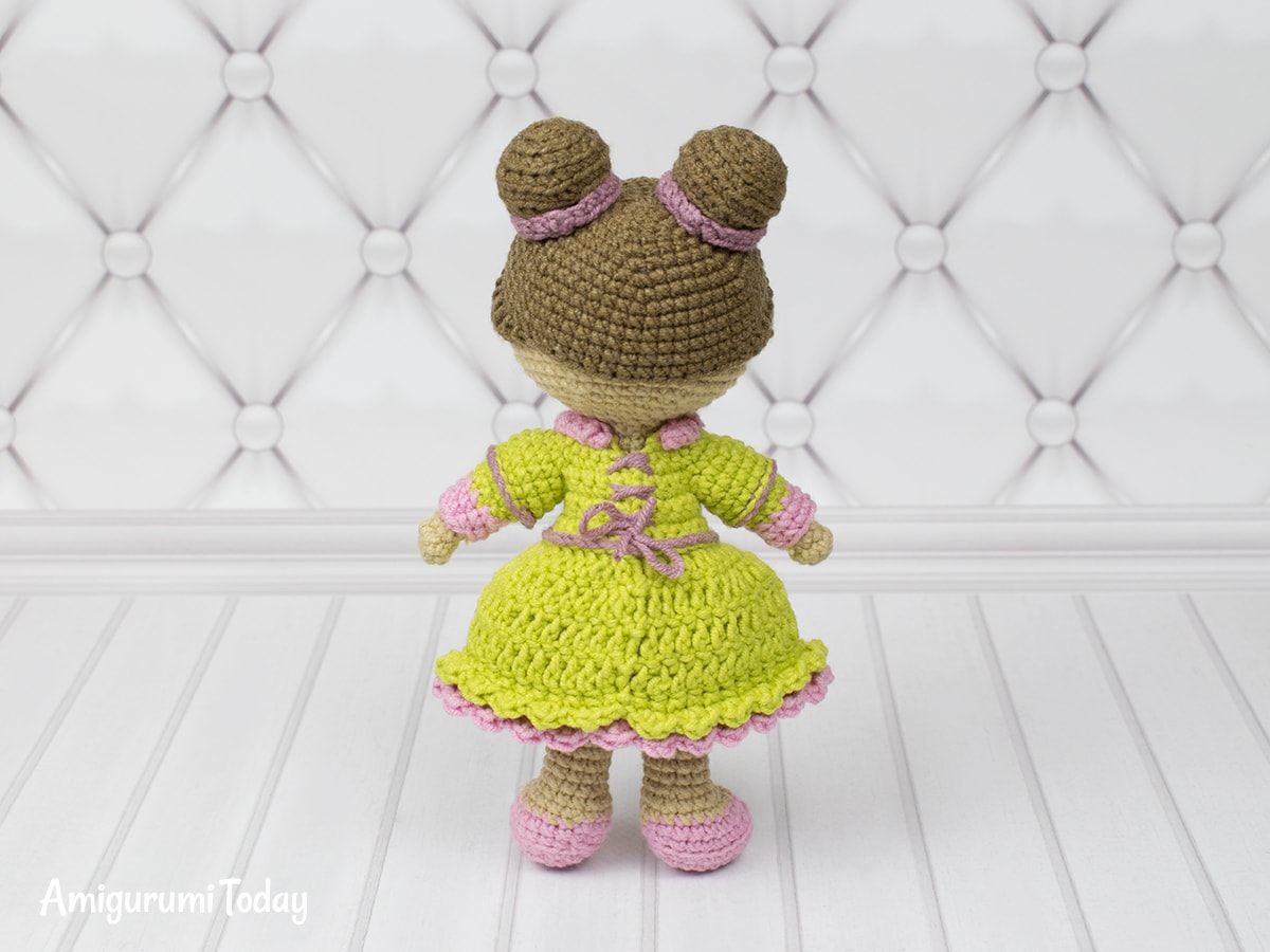 Amigurumi little lady doll - Free crochet pattern