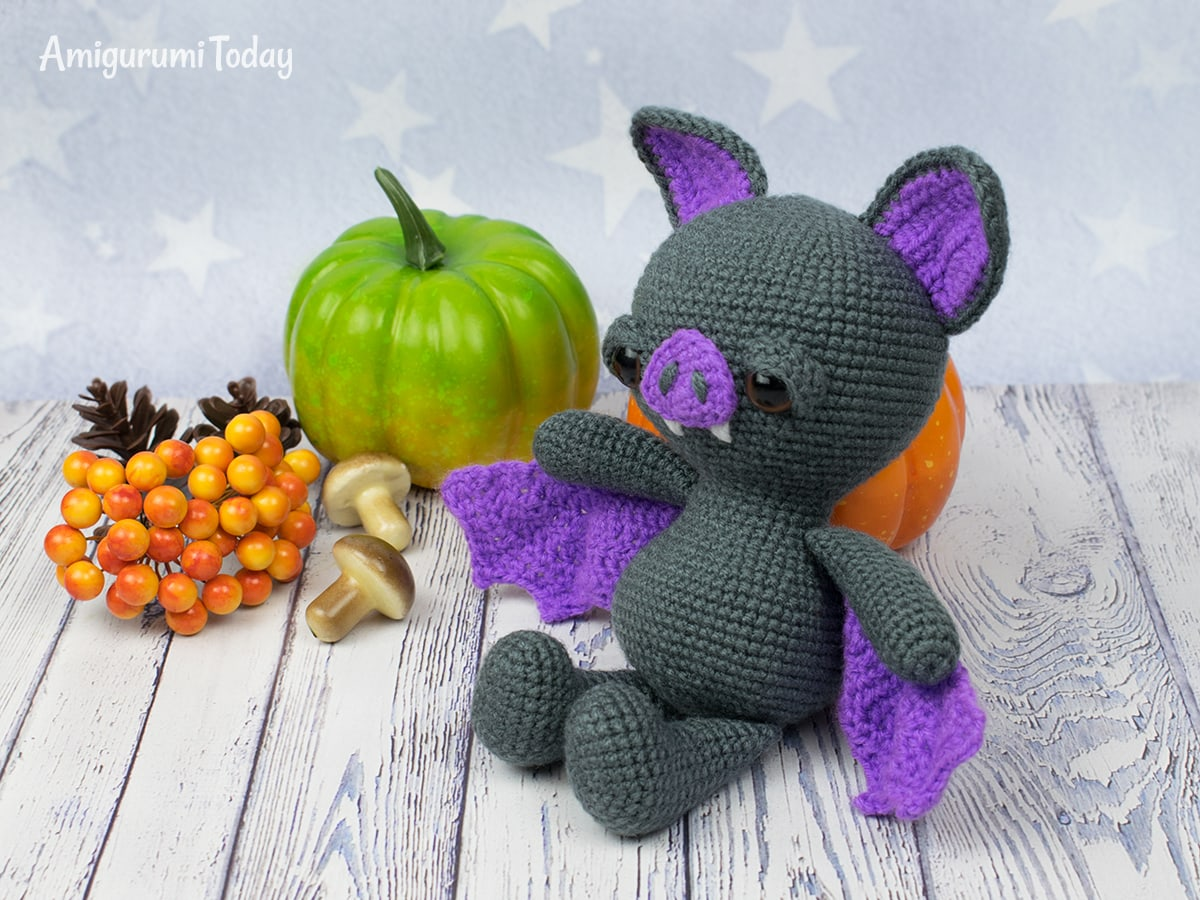 25 FREE CROCHET PATTERNS for HALLOWEEN -- cute and spooky | 900x1200