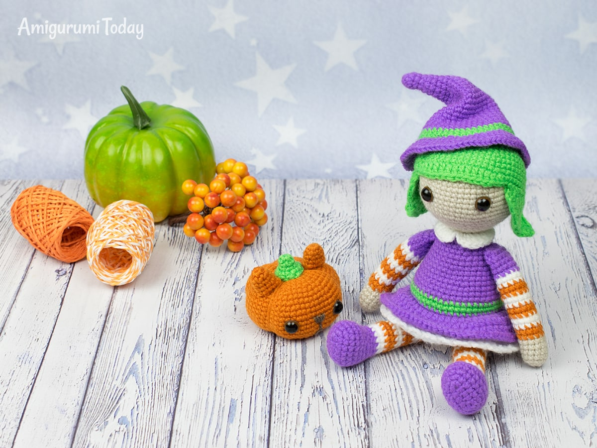 Free Halloween witch amigurumi pattern by Amigurumi Today