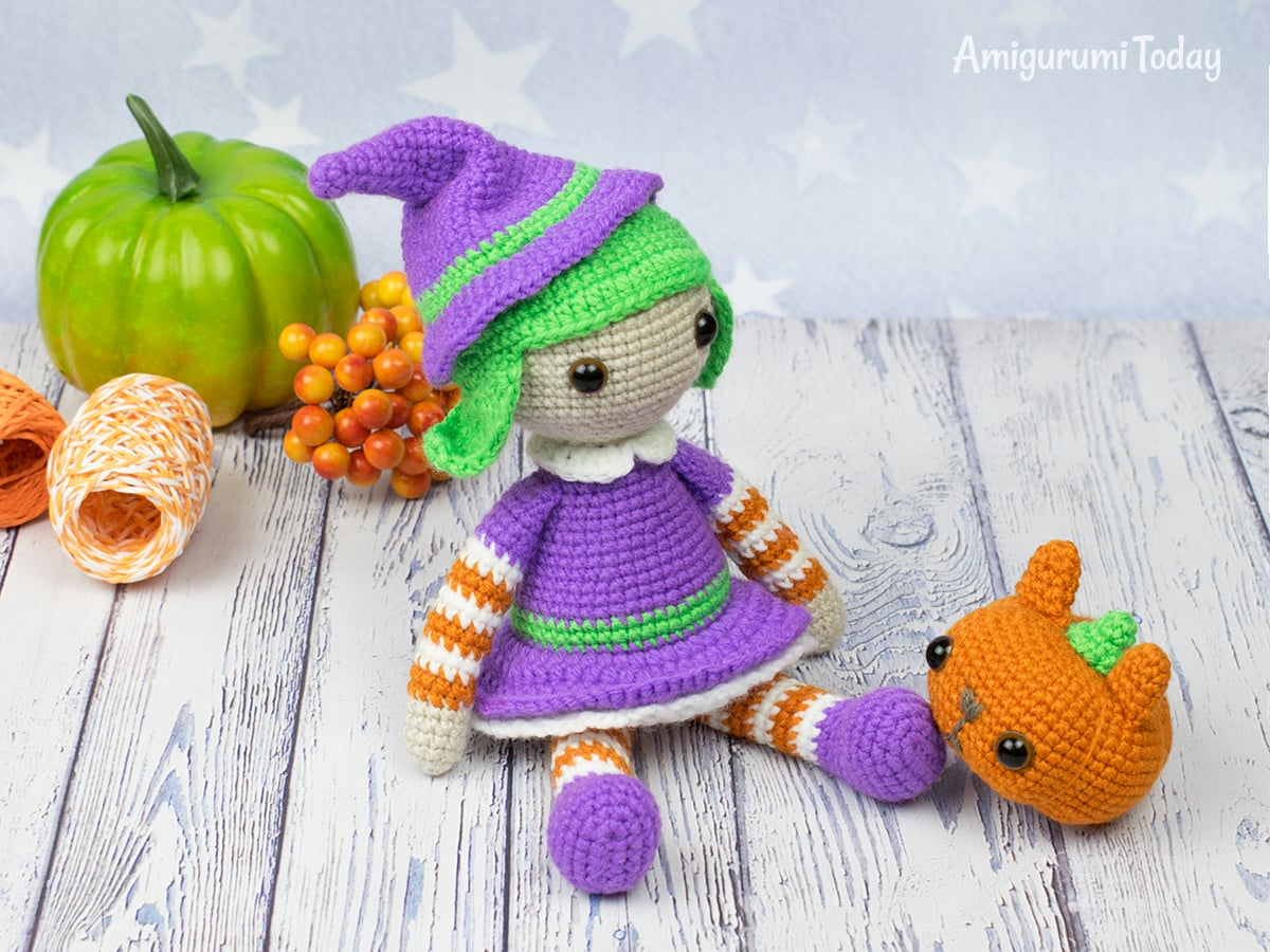 Free Halloween witch crochet pattern by Amigurumi Today