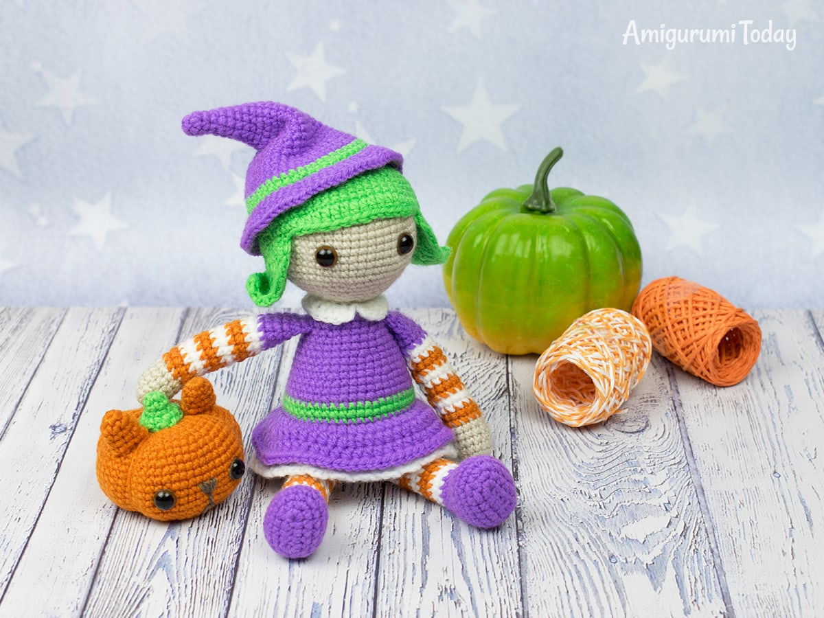 Halloween witch amigurumi pattern by Amigurumi Today
