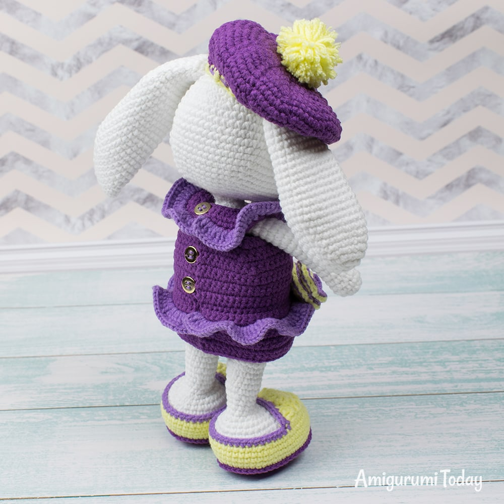 Amigurumi Pretty Bunny with floppy ears - Free Crochet Pattern