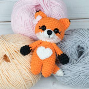 Amigurumi tiny fox - Free crochet pattern by Amigurumi Today