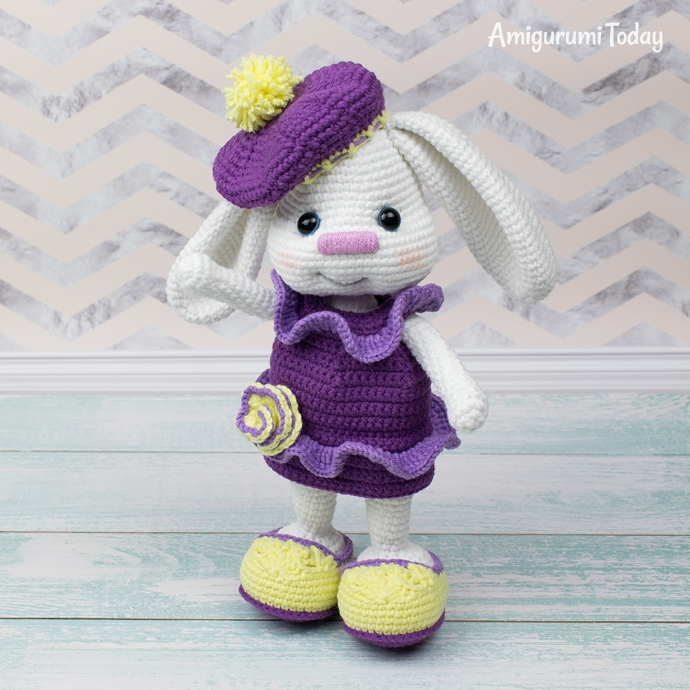 Free Pretty Bunny Crochet Pattern - Amigurumi Today