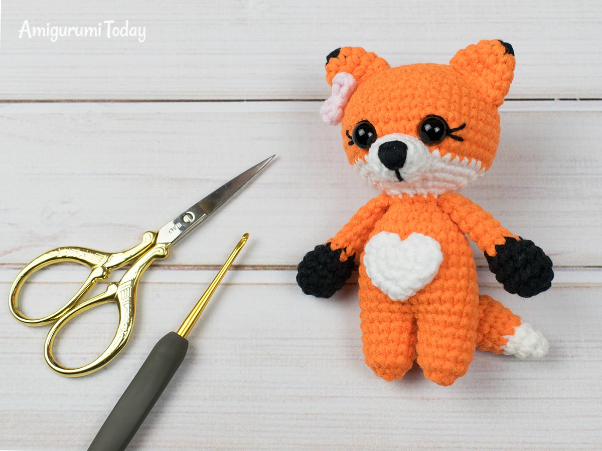 Free tiny fox amigurumi pattern by Amigurumi Today