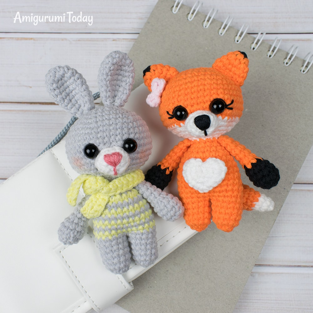 Free tiny fox crochet pattern by Amigurumi Today