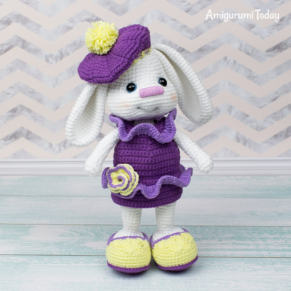 Pretty Bunny with floppy ears - Free Crochet Pattern