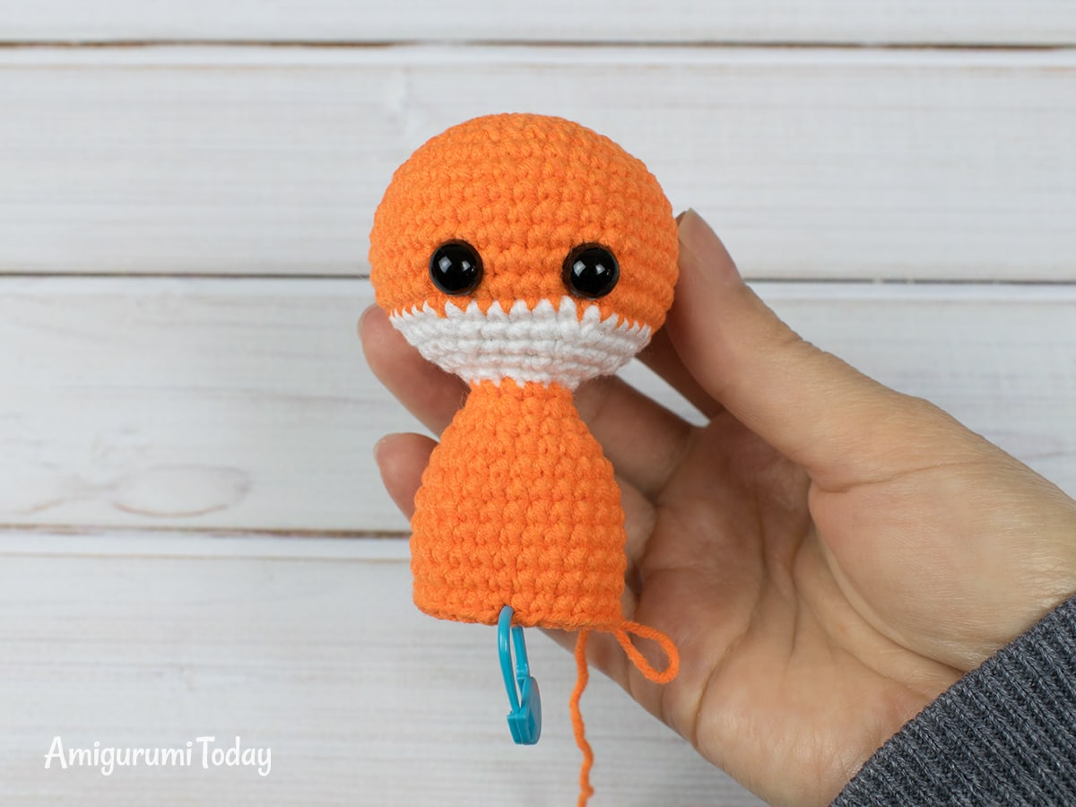 Tiny fox amigurumi pattern - Body