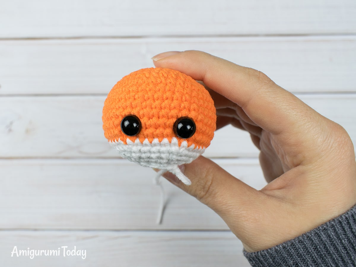 Tiny fox amigurumi pattern - Head