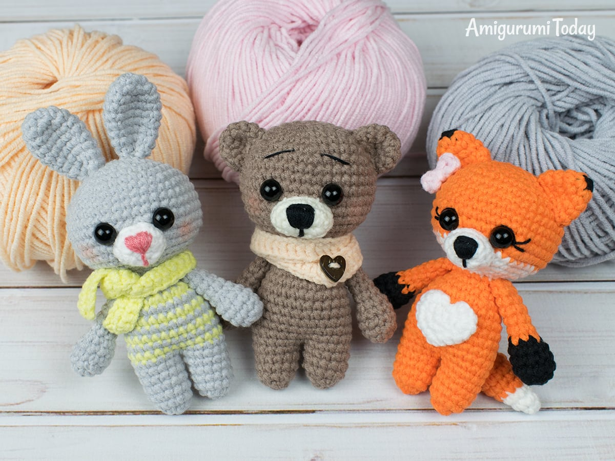 Tiny fox amigurumi pattern by Amigurumi Today