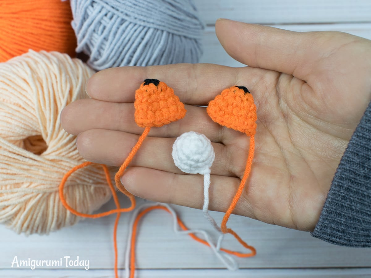 Tiny fox crochet pattern - Ears and muzzle