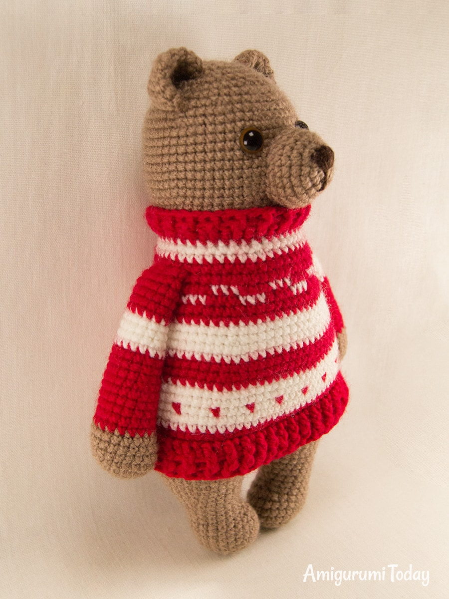 Free crochet blueprint past times Amigurumi Today Amigurumi acquit inward pullover pattern