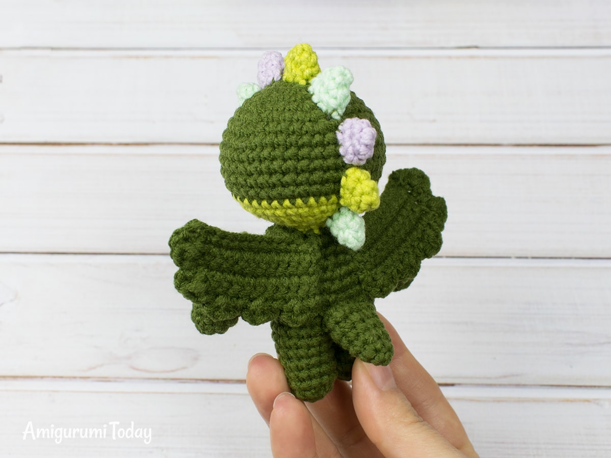 Free tiny dragon amigurumi pattern