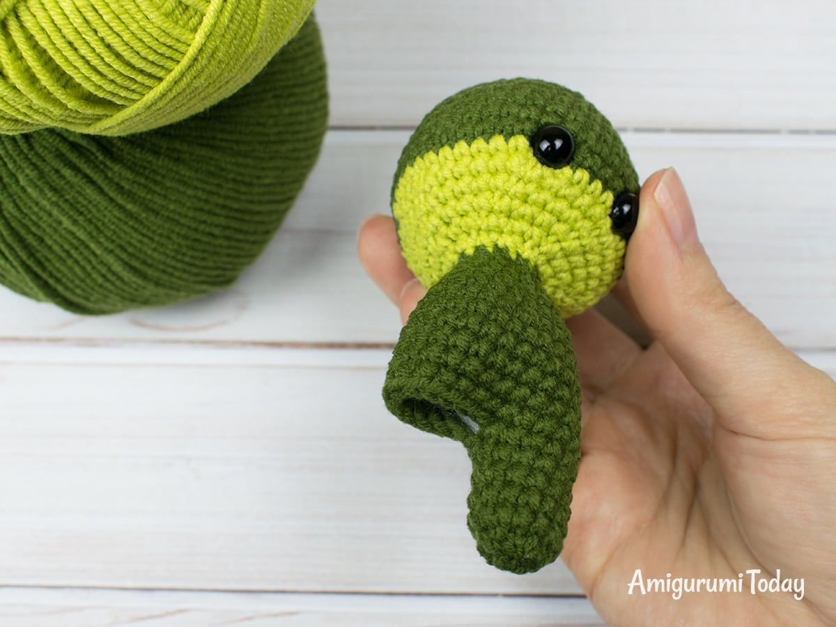 Tiny dragon amigurumi pattern - Leg