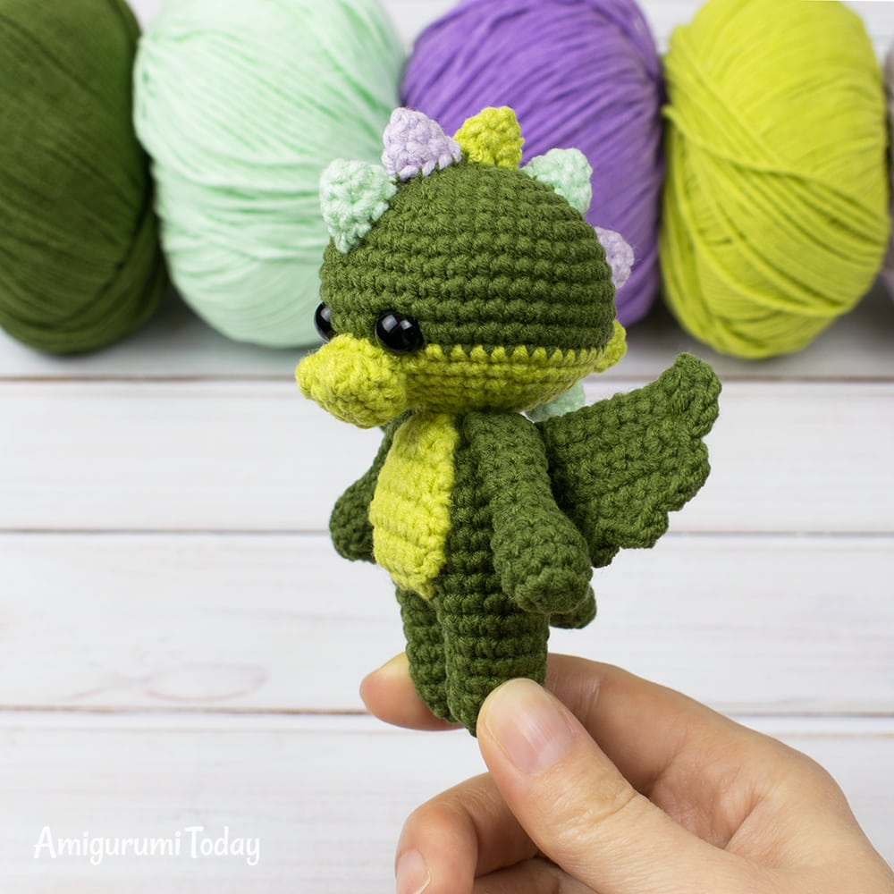 Tiny dragon crochet pattern by Amigurumi Today