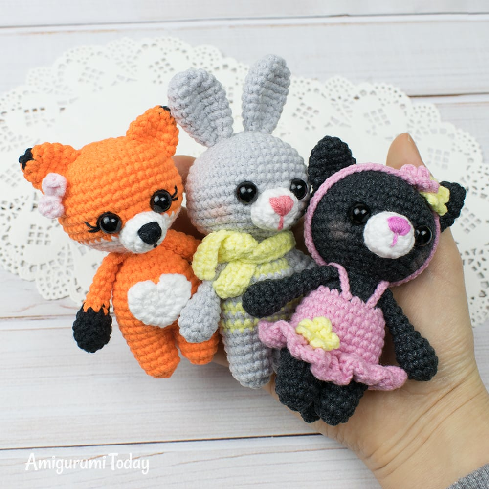 Tiny cat amigurumi pattern by Amigurumi Today