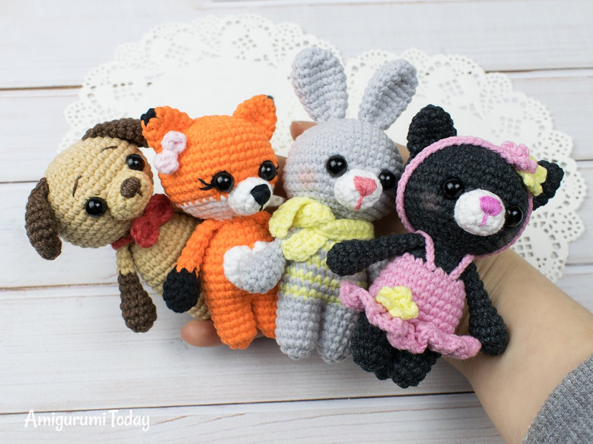 Tiny kitty cat crochet pattern by Amigurumi Today